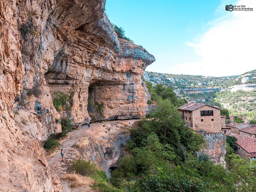 Paredón rocoso en Orbaneja del Castillo