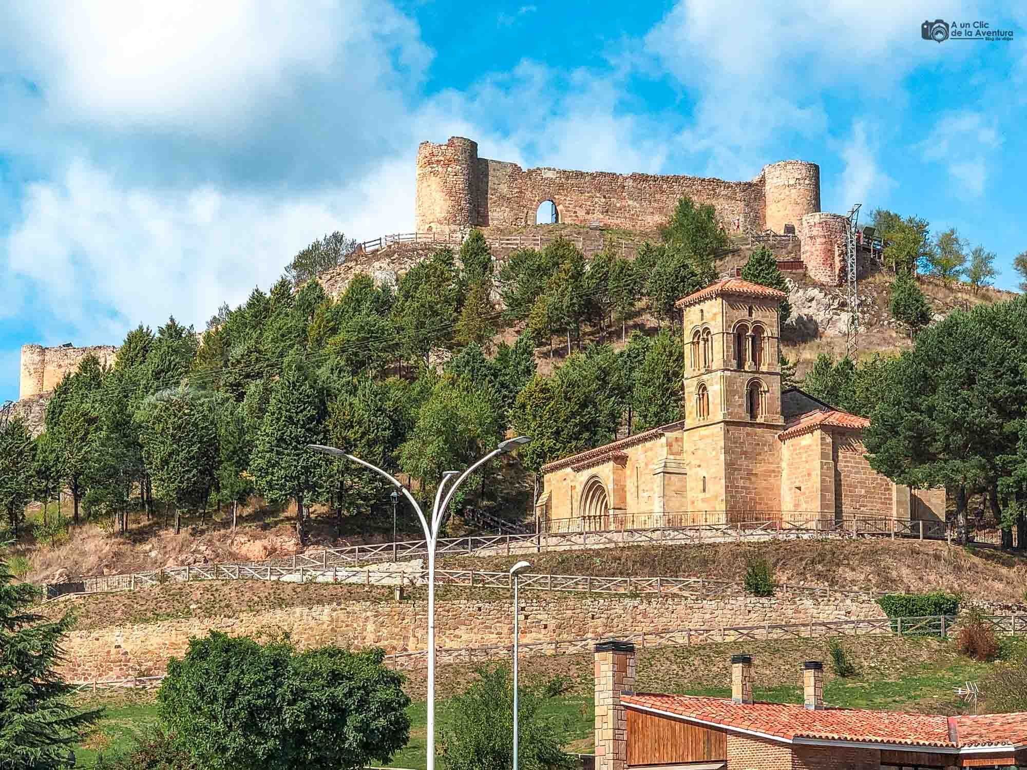 Castillo e iglesia de Santa Cecilia, en Aguilar de Campoo