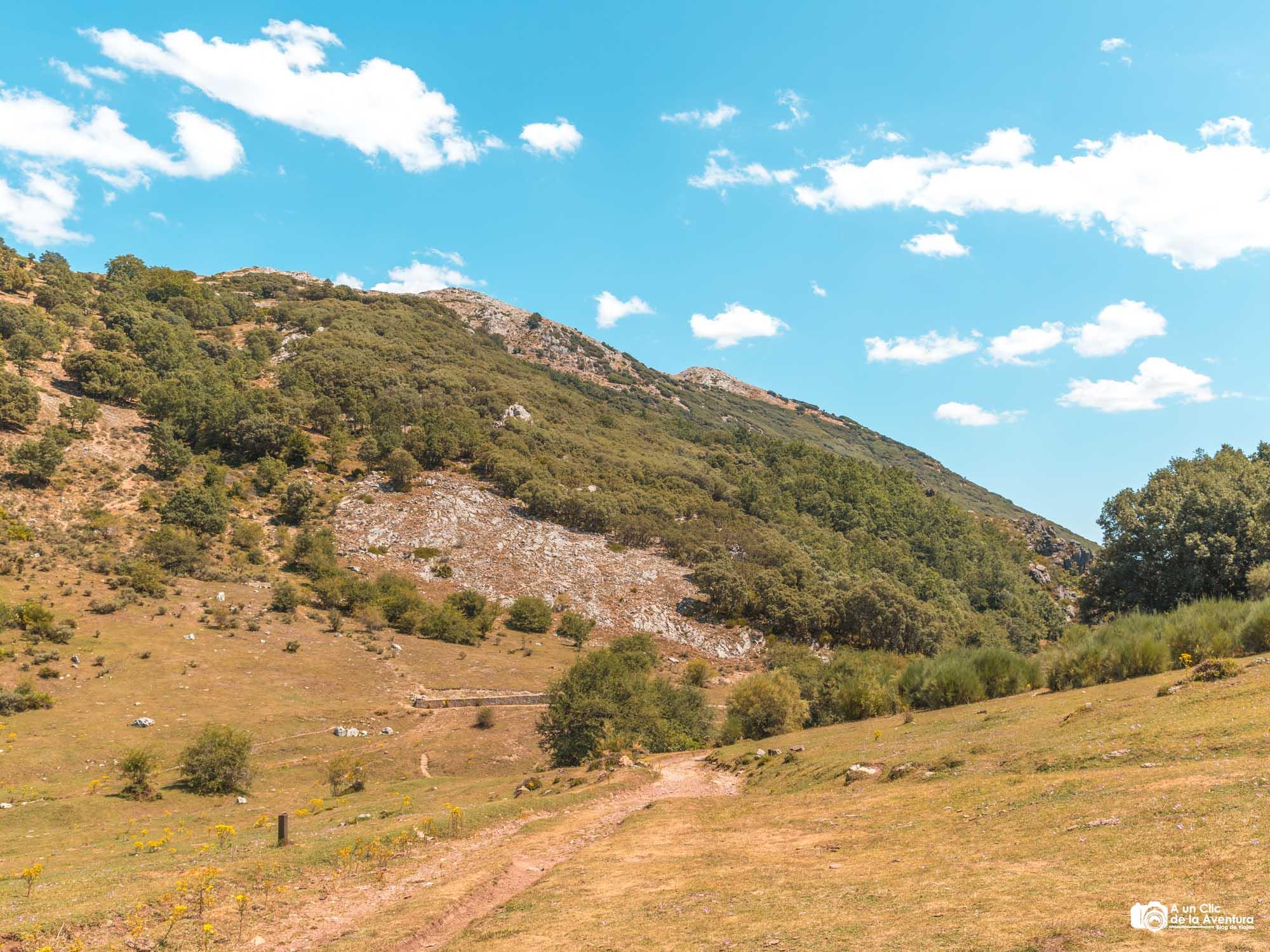 Camino por el Valle de Tosande