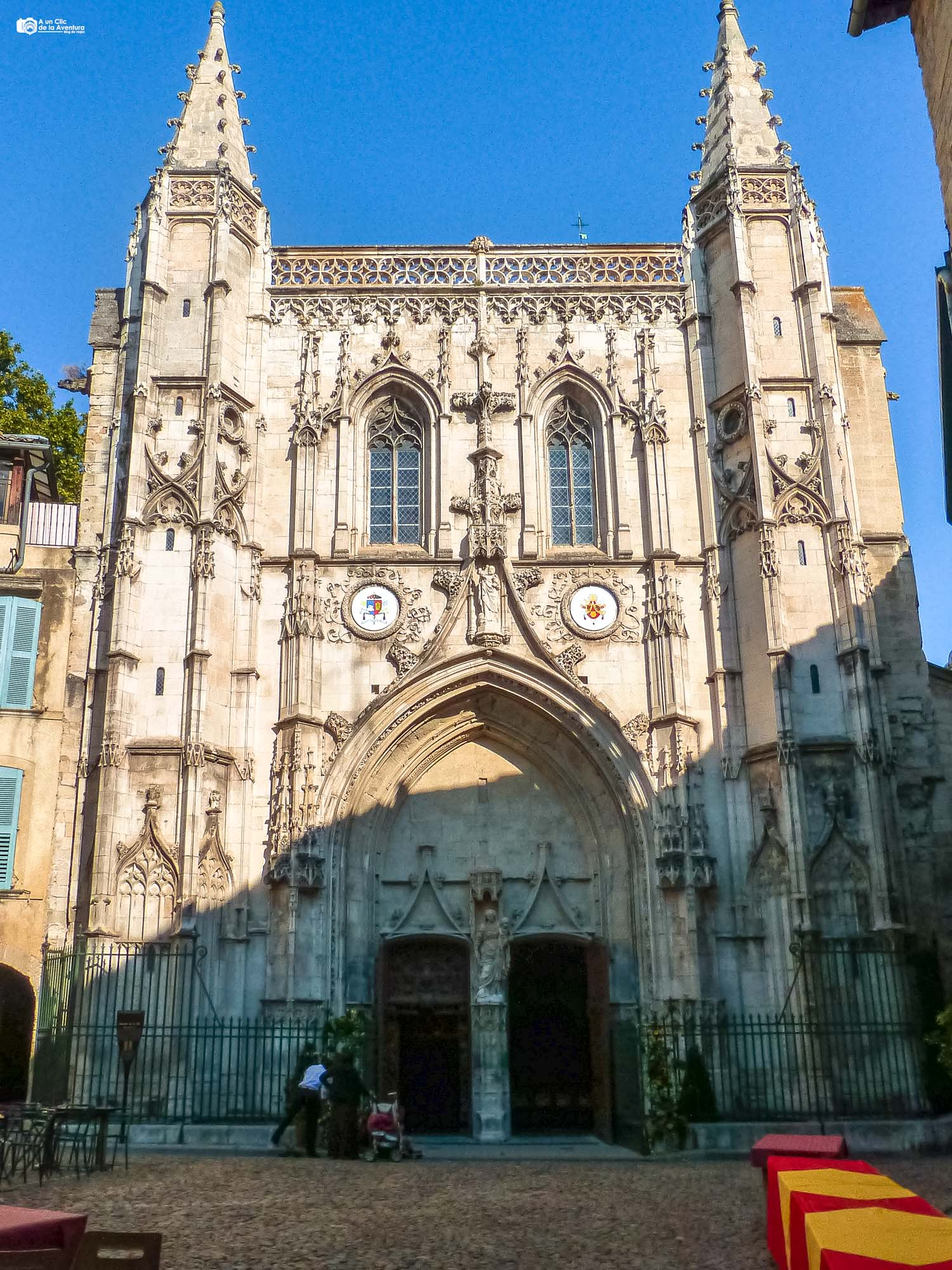 Fachada de la Basílica de San Pedro de Avignon