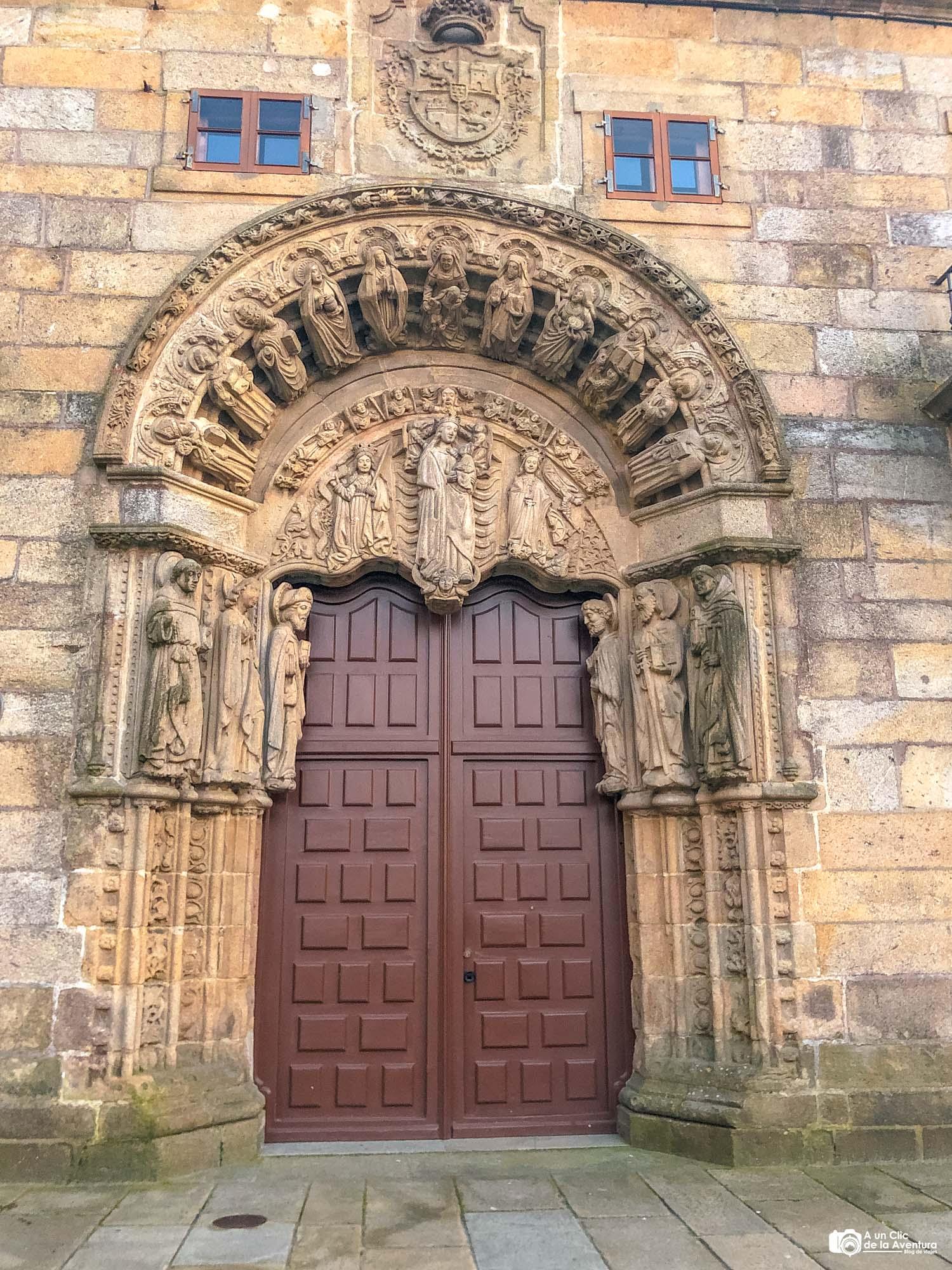 Portada del Pazo de San Xerome, Santiago de Compostela