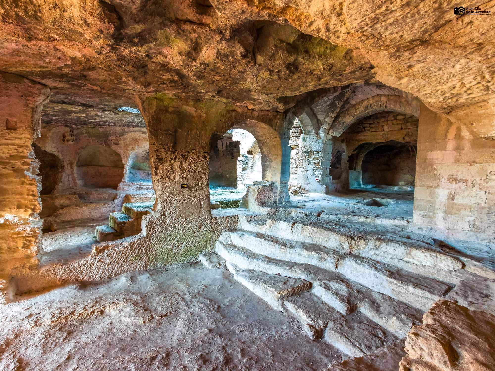 Abadía troglodita de Saint-Roman