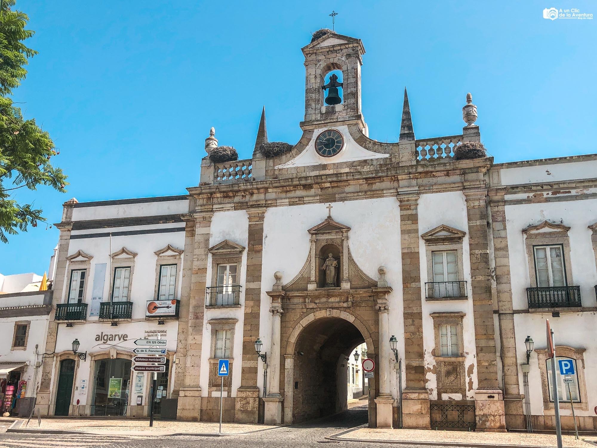 Arco da Vila de Faro que ver en el Algarve