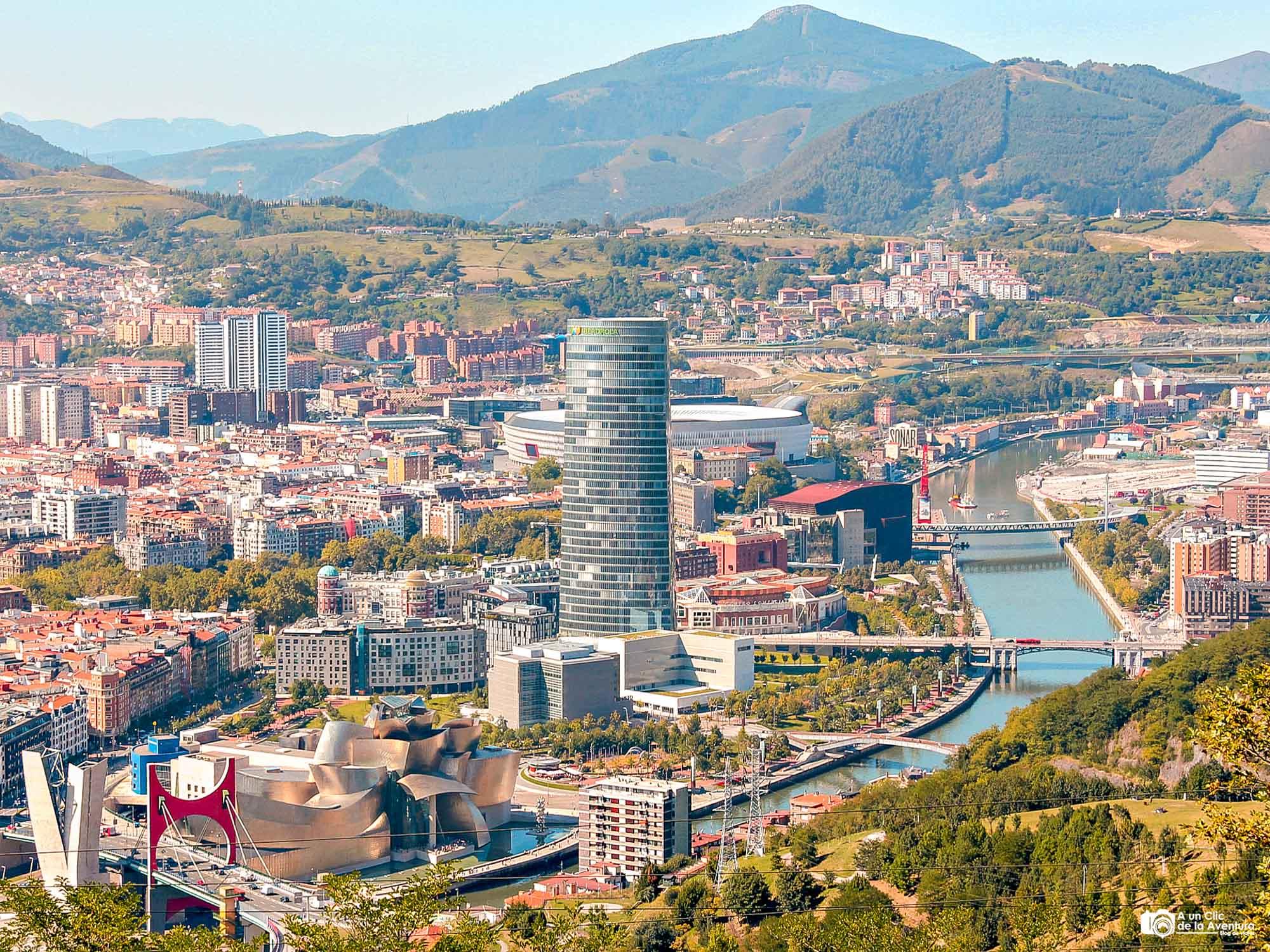 Panorámica de Bilbao desde el monte Artxanda