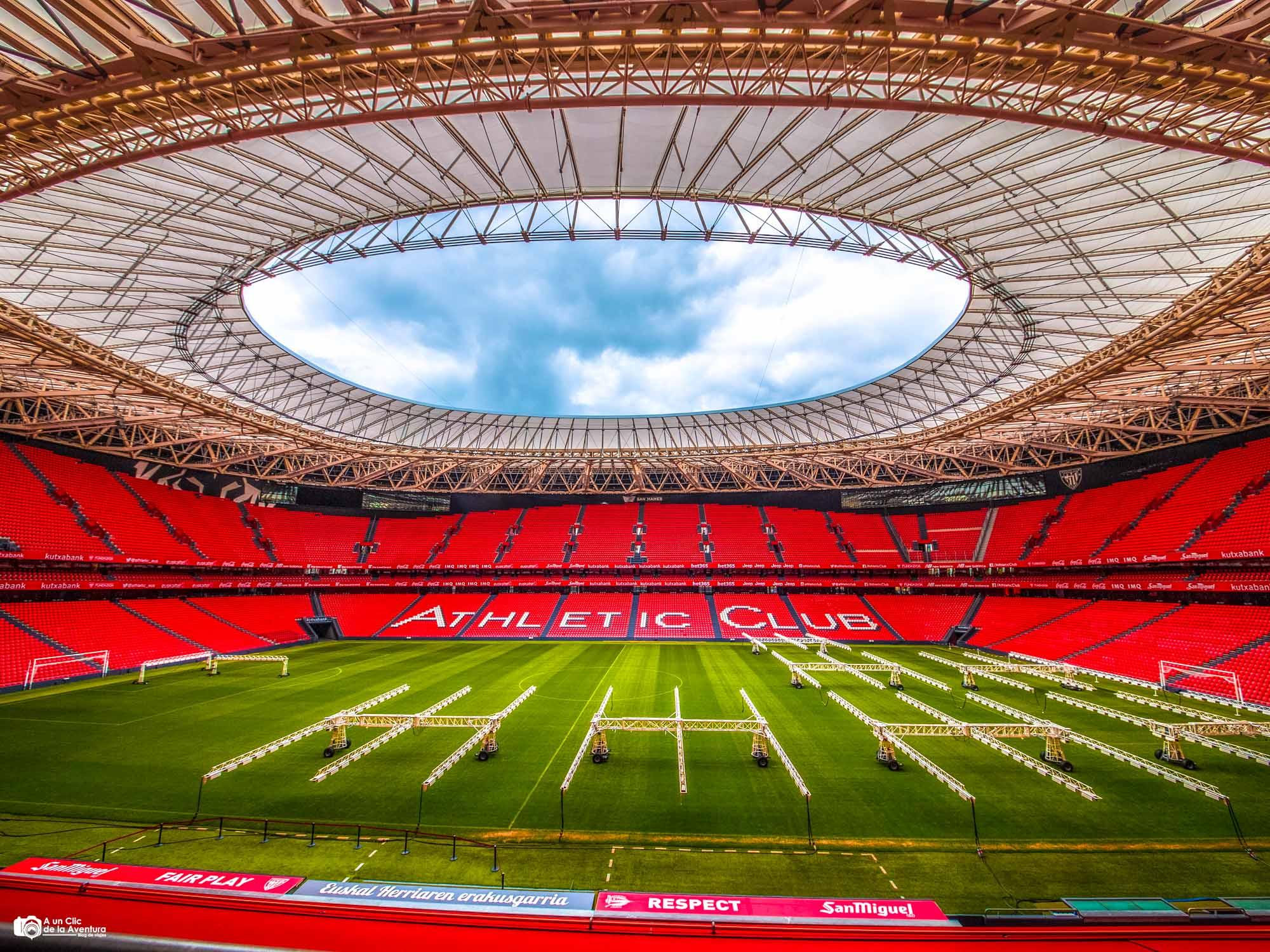 Estadio de fútbol de San Mamés, Bilbao con niños
