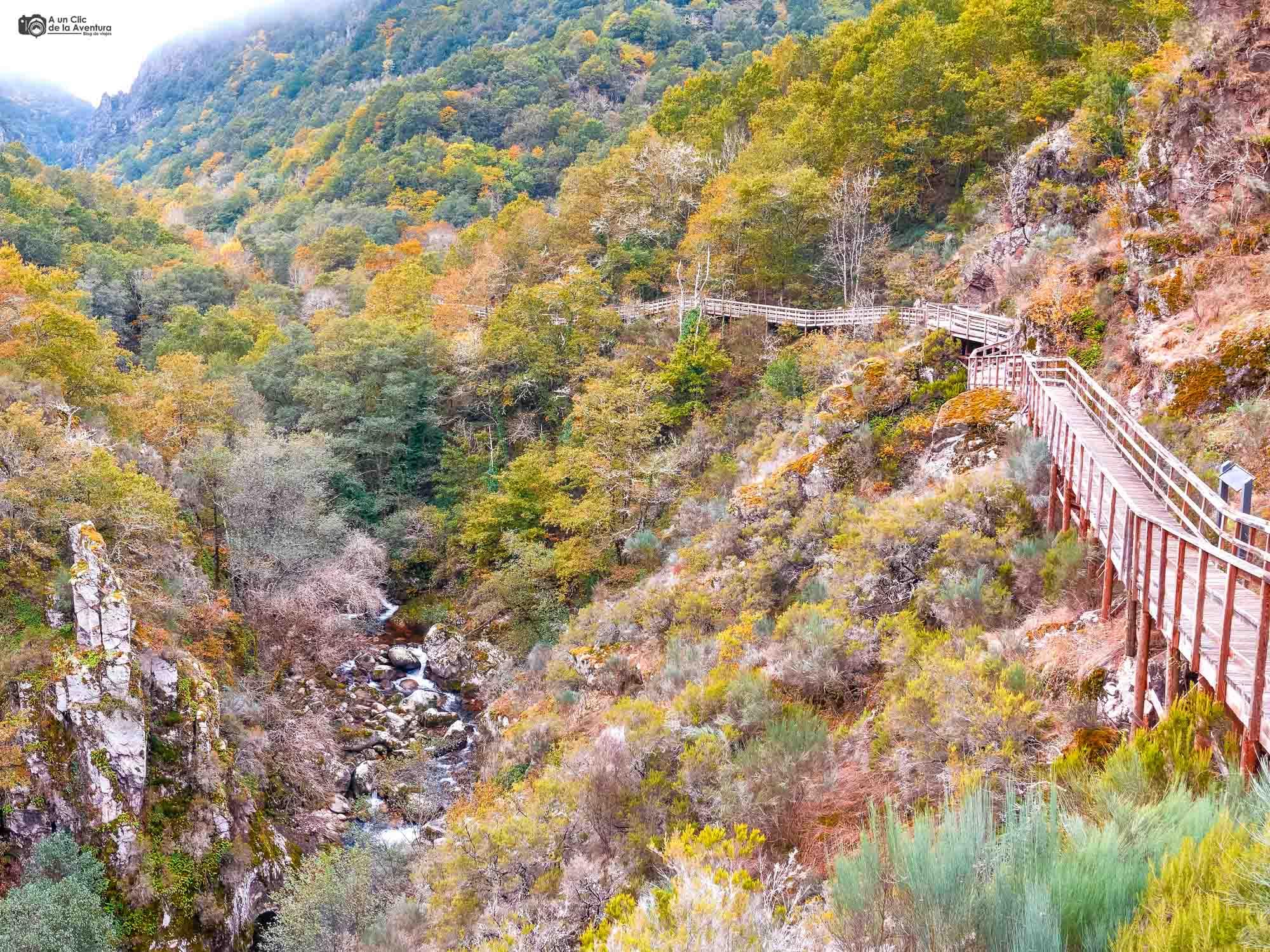 Pasarelas del cañón del río Mao en Ourense