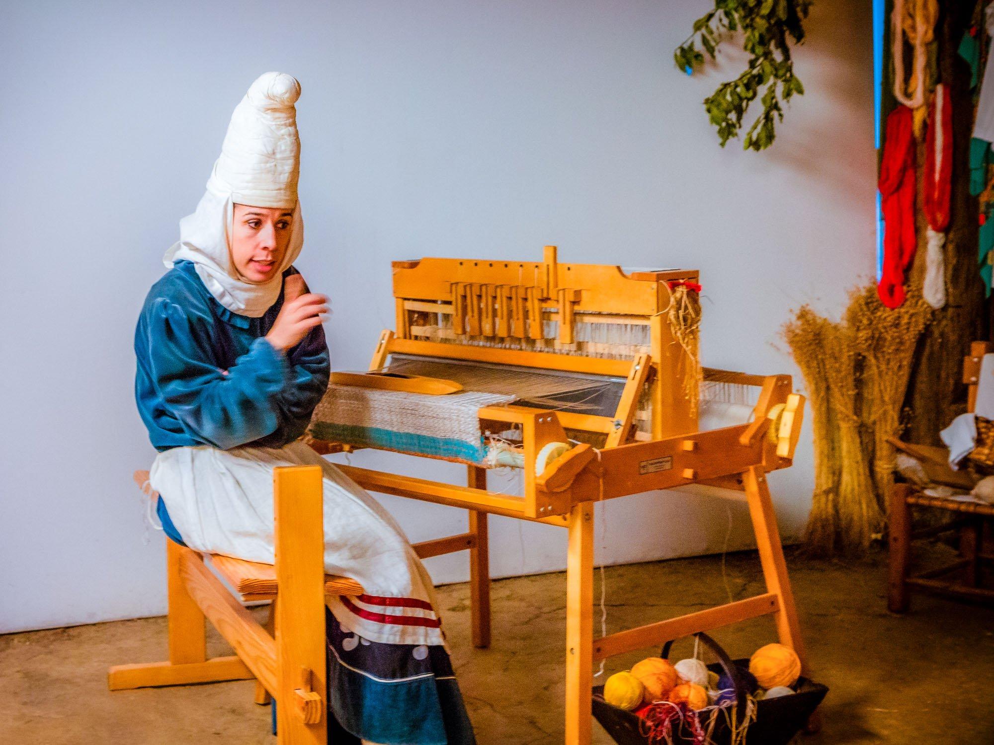 Visita teatralizada en Izenaduba Basoa