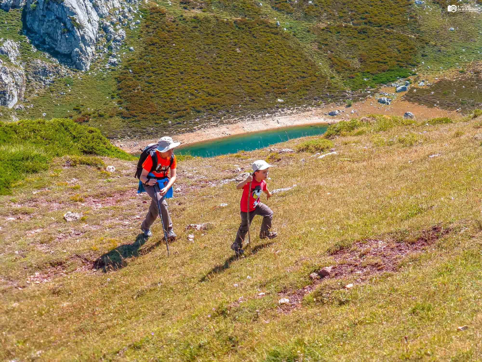 Caminando por los lagos de Saliencia
