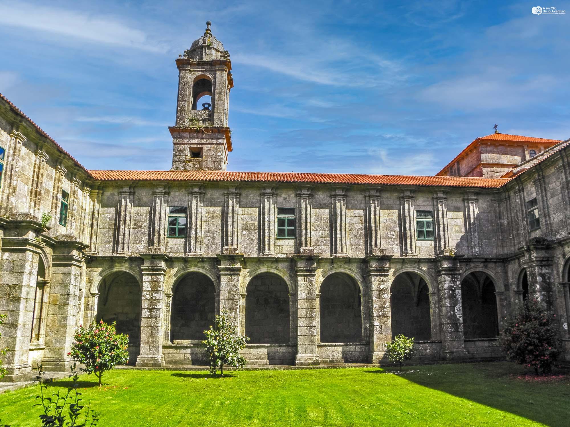 Claustro de Santa María de Armenteira